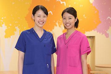 「理想の看護師がたくさんいる、恵まれた環境」と話す2人。