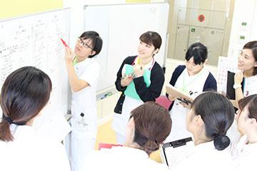 新人看護師集合研修―みんなでグループワーク