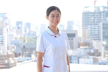 日本大学病院は東京・神田駿河台の都心にあり、周りはビルに囲まれている。中規模ながら三次救急病院であることが、落合さんが同院に入職した理由のひとつだ。
