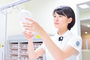「苦しそうな患者さんが安楽な表情に変わるのを見るとやりがいを感じます」と永井さん。