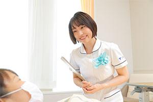 人とコミュニケーションをとることが好きだったことと、病気と向き合う人の役に立ちたいと思ったことが、看護師を目指したきっかけという。患者さんの目標を達成するため、プライマリーナースとしての実践をさらに充実させていきたいと話す。